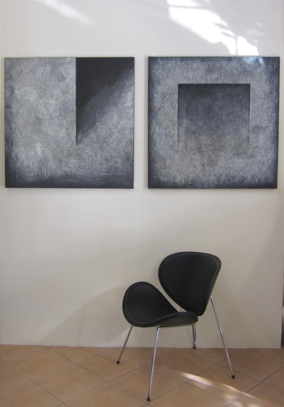 Ikona designu Pierre Paulin użyte w minimalistycznym wnętrzu, Stacja Dizajn, fot. Monika Muszyńska