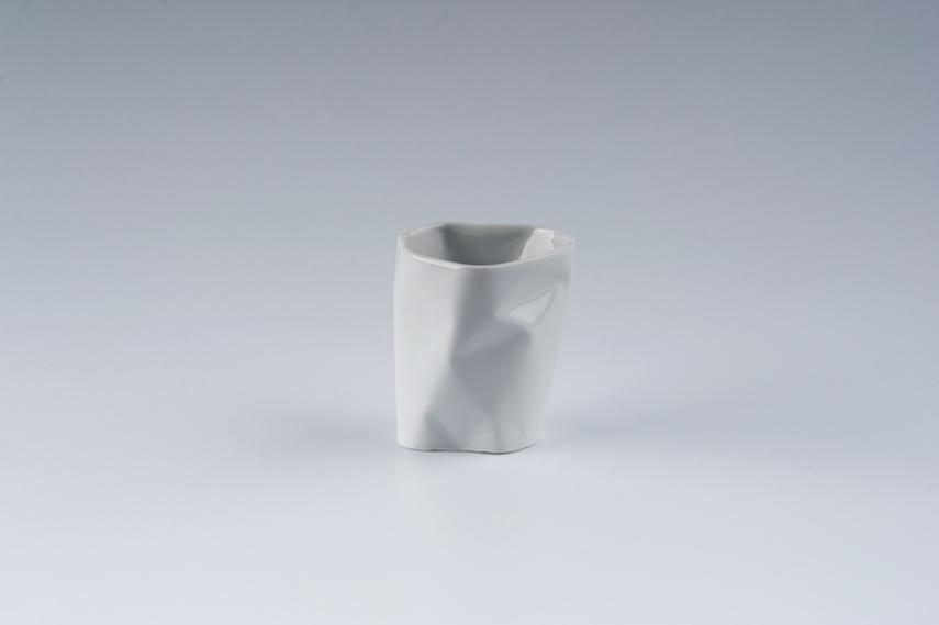 Kubek Pogięty mały 150ml, porcelana, Modus Design, sprzedane