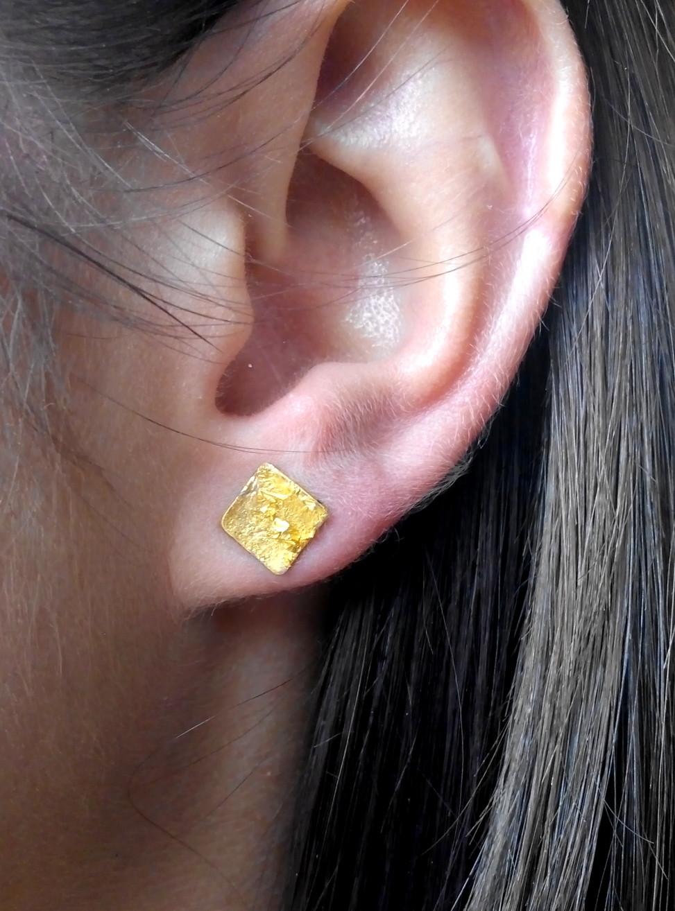 Kolczyki złoto płatkowe, żywica, 60zł